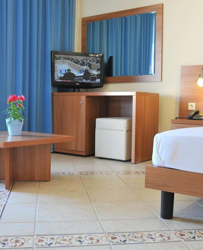 Hotel Lido Xylokastro Melissi Triple Room Bed